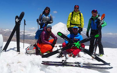 Iran-Travel-Iran Exploration-Damavand-Doberar-Ski-Tour (2)-400X250