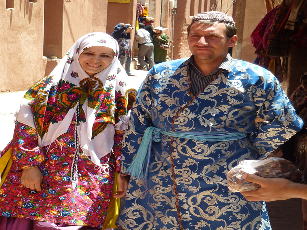 Traditional clothes, Abyaneh village, Kahsan
