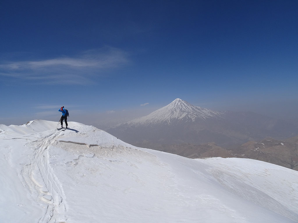 Damavand scene from Doberar ridge (Angemar Summit)