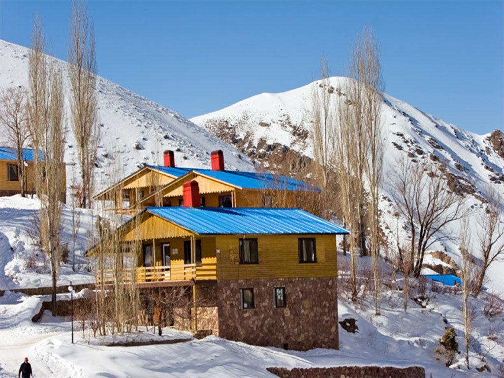 Dizin Ski resort, cottages