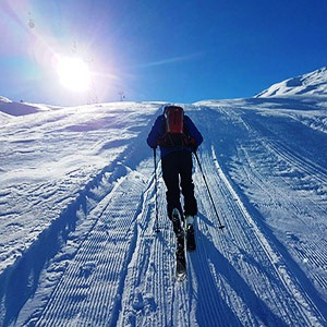 Dizin Ski Resort, toward Gavazni summit (3300 m)