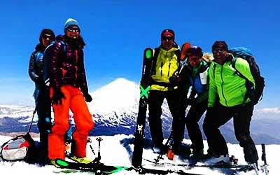Iran-Tour-operator-holiday-adventure-skiing-mount-damavand-doberar-ridge-02