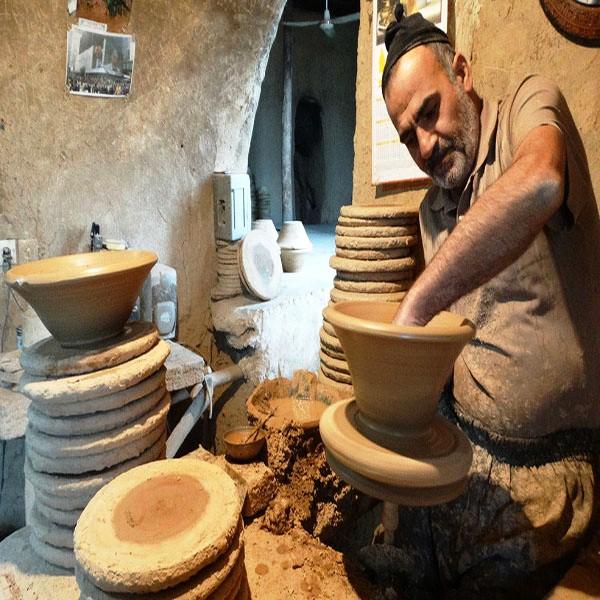 Lalejin town, pottery capital of Iran