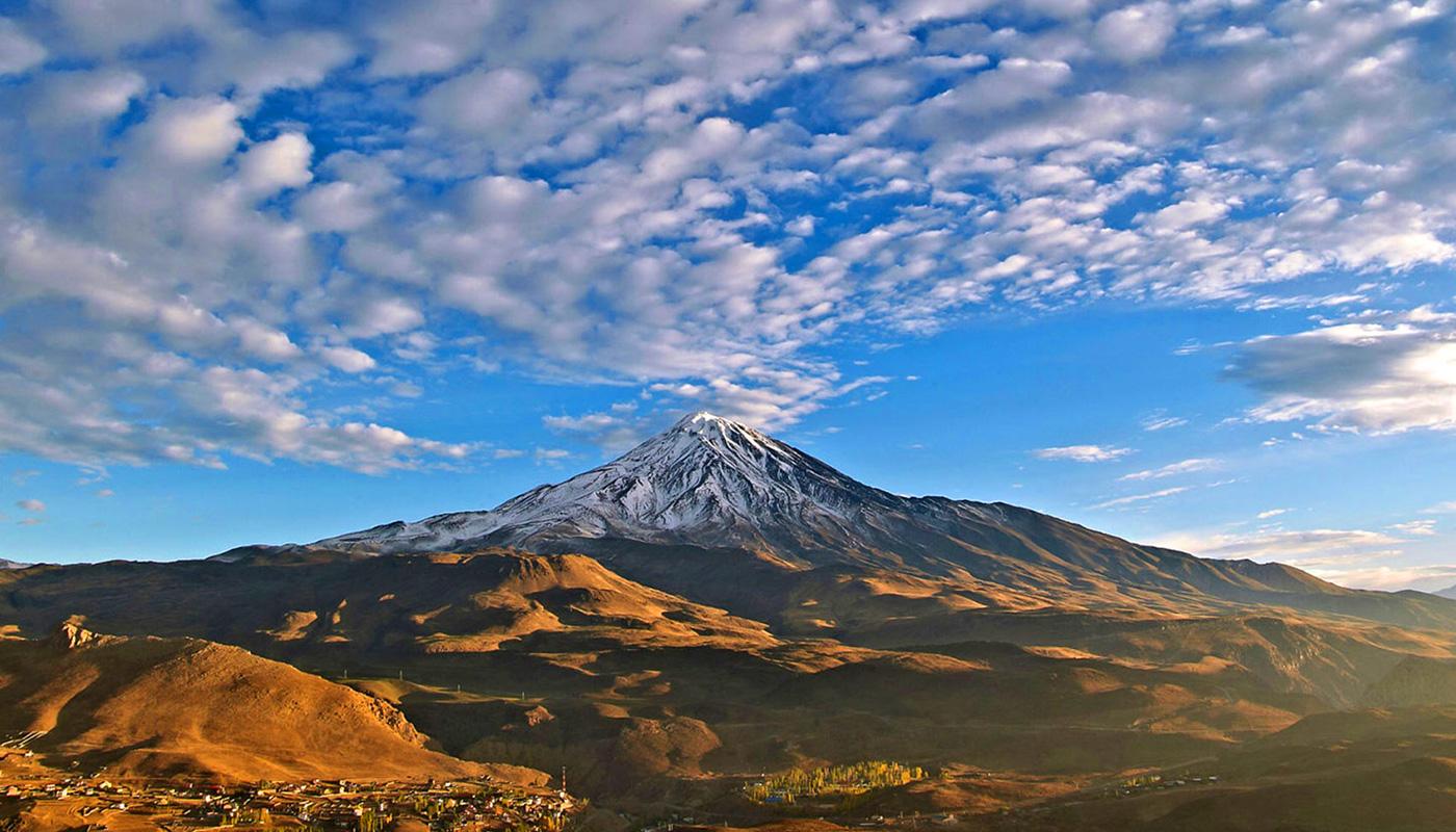 Mount Damavand trekking