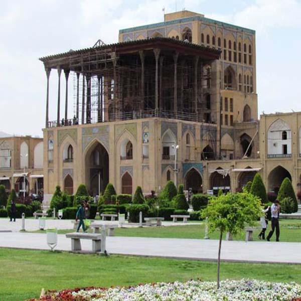 Isfahan, Alighapoo grand palace