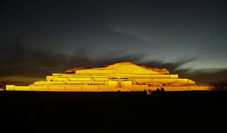 Iran Travel Guide Book-Iran Cultural Tours - Chogha Zanbil Ziggurat at Night