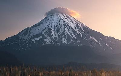 Mount Damavand Hood & Sulfur Gas